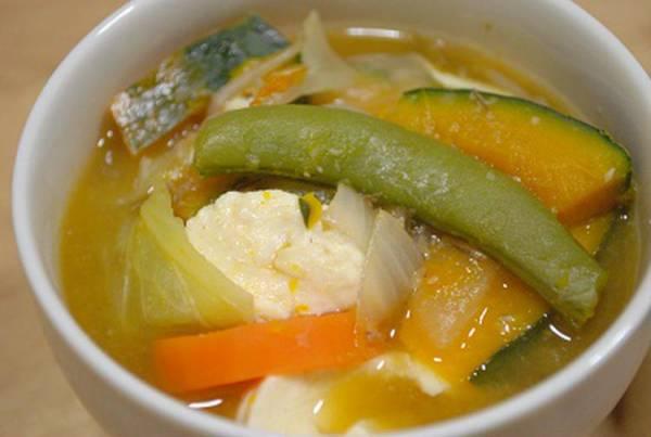 野菜たっぷり!食べる☆具沢山味噌汁ごはんとおかしさん