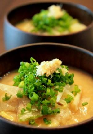 朝のパワーフード、酒粕&おから入りのお味噌汁。by:薬膳師ゆりぽむさん