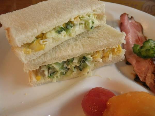 ゴーヤとお好みお豆さんでナチュラルチーズのサンドイッチby:とまとさん