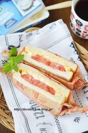クリームチーズ入りふわふわ卵とフレッシュトマトのサンドイッチby:decoさん