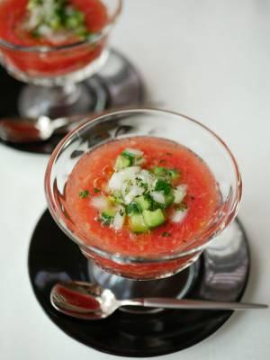 ミキサー不要!超簡単ガスパチョ風「すりおろしトマトの冷製スープ」