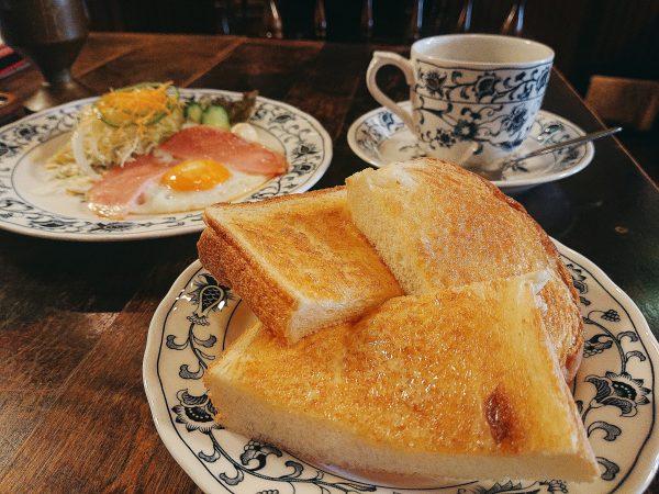 【京都】おみくじも楽しめる!バターがしみた厚切りトースト朝食@喫茶 陽