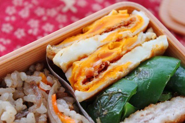 美味しくてやめられない!「両面目玉焼きのおかか醤油」のお弁当by:料理研究家 かめ代さん