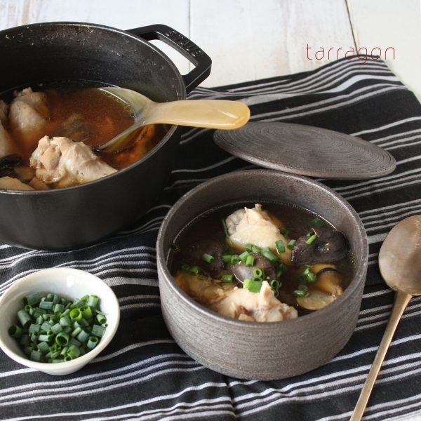 つるつるお肌に♪コラーゲンたっぷり「手羽ときのこの味噌スープ」by:タラゴン(奥津純子)さん