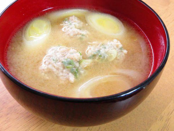 ほっこり♪長ネギと生姜団子の味噌汁 by :kaana57さん