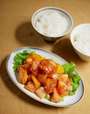 市販の唐揚げ+レンジで簡単!ご飯がすすむ「鶏の甘酢炒め」