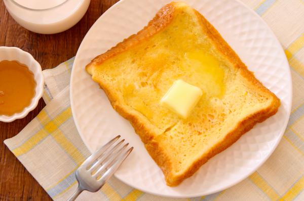 トータル5分で完成!レンジで簡単「アーモンドミルクフレンチトースト」