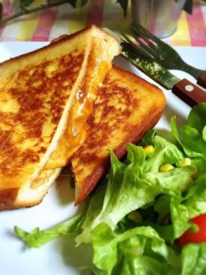 チーズカレーのフレンチトーストby:こっぷんかぁちゃんさん