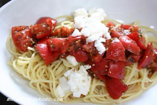 夏ブランチ、トマトの和風冷製パスタby:山脇りこさん