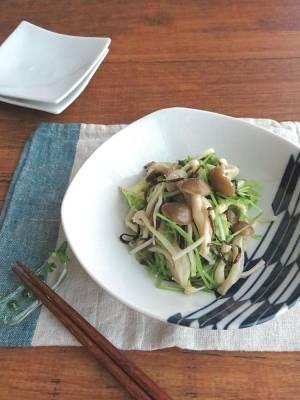 レンジで簡単和惣菜☆豆苗ときのこの塩昆布和え♪生姜風味by:kaana57さん