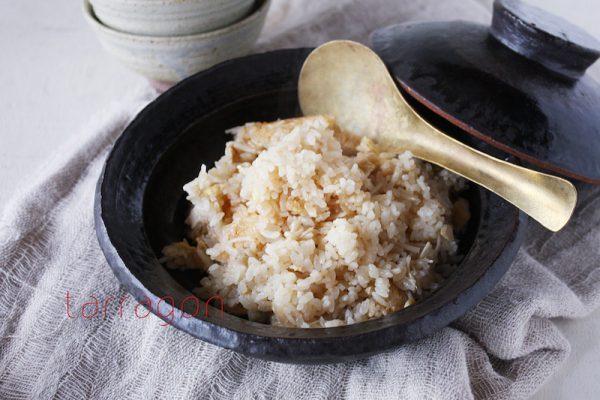 ダイエット中の強い味方!簡単ヘルシー「えのきと油揚げの炊き込みご飯」by:タラゴン(奥津純子)さん