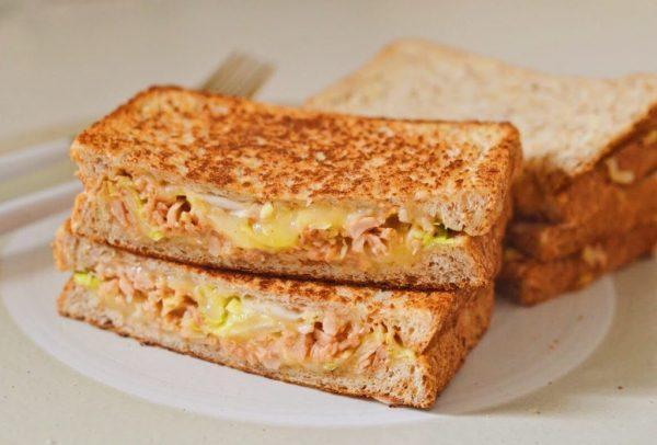 チーズがとろ~り♪フライパンで簡単「キャベツのツナメルトサンド」by:柳沢紀子さん