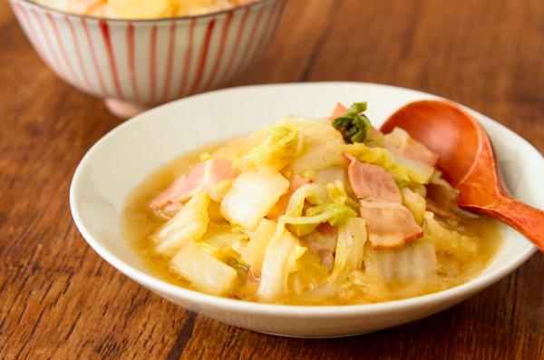 ご飯がすすむ♪レンジで簡単作り置き「白菜とベーコンのうま煮」by:五十嵐ゆかりさん