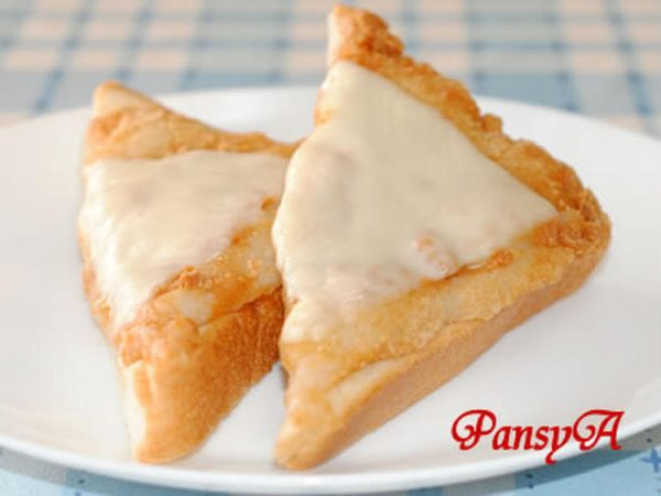 きなこ餅のトースト♪チーズのせ☆残ったお餅で!by:パンジーAさん