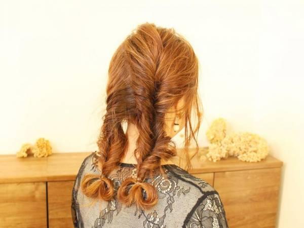 周りにちょっぴり差を付けて…甘めなお出掛けヘアスタイル