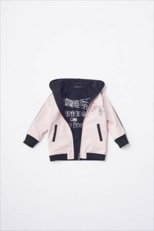 谷中敦×ロアー「ジャケット」(4万円)※中は「ロングTシャツ」(1万円)