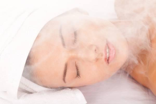 蒸しタオルで保湿効果をUP