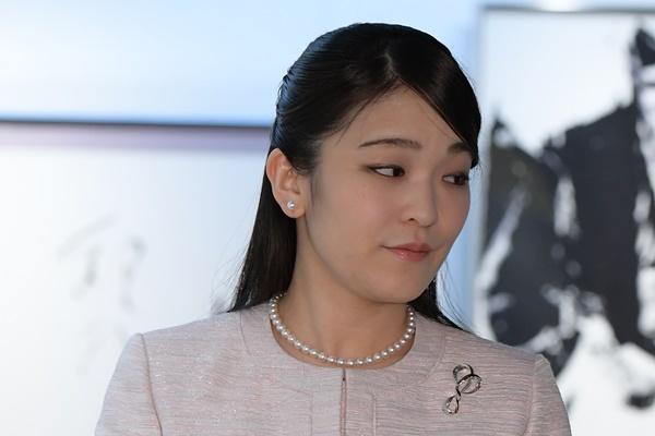 眞子 様 仕事 【最新版】眞子様と小室圭さんは結婚?それとも破局?まだ続く沈黙の...