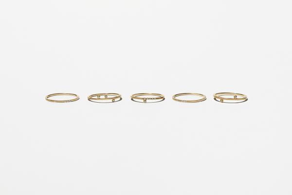 シンプルにも華やかにも使えるeclat ringが欲しい