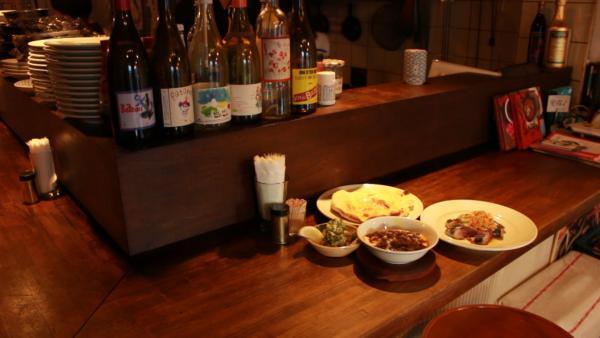 全国屈指のカレー好きが足を運ぶ!? 究極のスパイシーカレーを味わう渋谷「ヘンドリクス カリー バー」