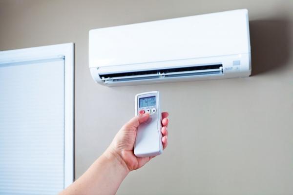 エアコンを賢く使って節電!簡単にできる節約術8つ+夏冬の節電アイデア6つ
