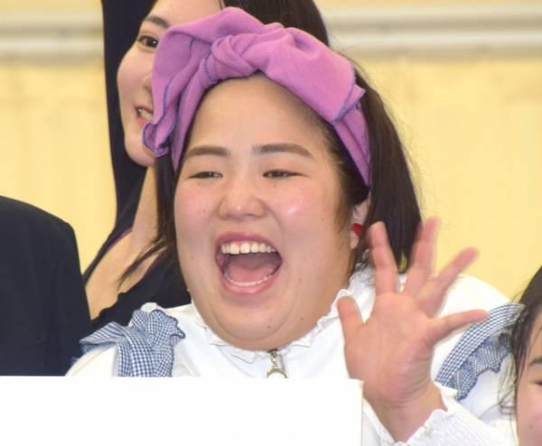 R-1優勝の同期・濱田祐太郎を祝福したゆりやんレトリィバァ (C)ORICON NewS inc.