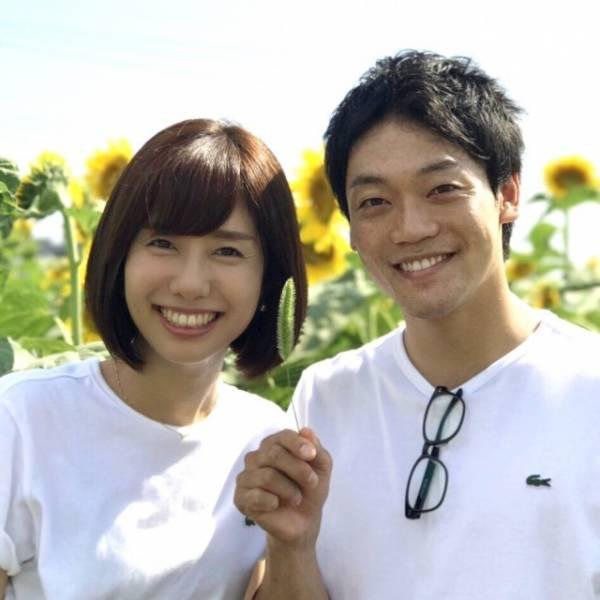 山崎夕貴アナとの2ショットで結婚報告をしたおばたのお兄さん (写真は公式インスタグラムより)
