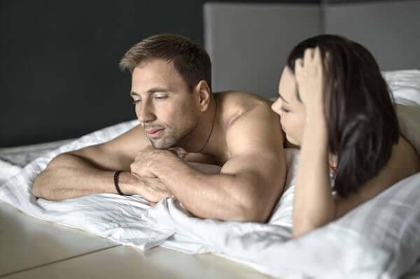 彼のもっこりがショボショボに…!男の性欲が失せる「NGモテテク」4選