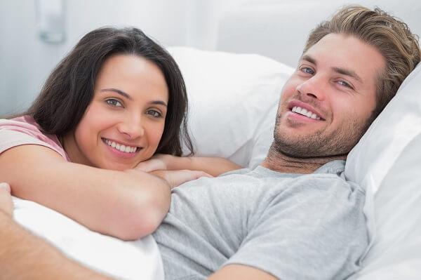 いじり上手がモテる♡「男が親しみやすい女子」になる4つの方法とは