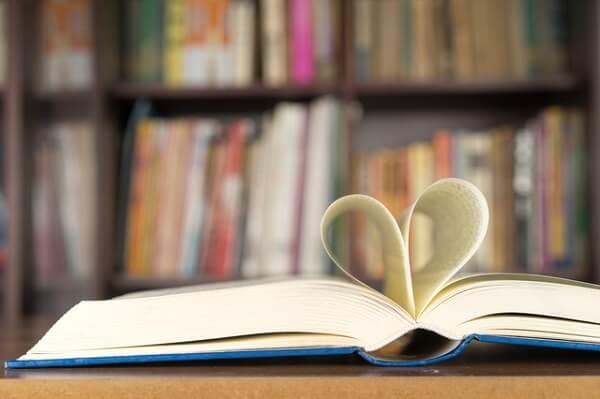 絶望から抜け出せる1冊がココに…!「失恋の時に読みたい本」4つ
