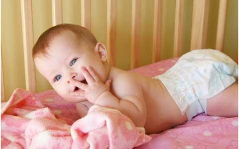 話題の育児法、「おむつなし育児」って?