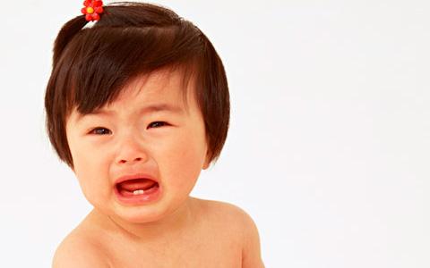 人見知りする子ども・しない子どもの違いと対処方法