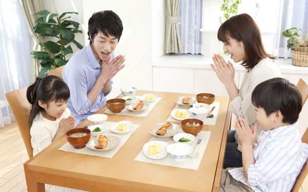 楽しい食事からつながる食育。楽しく食べて心と体を育む