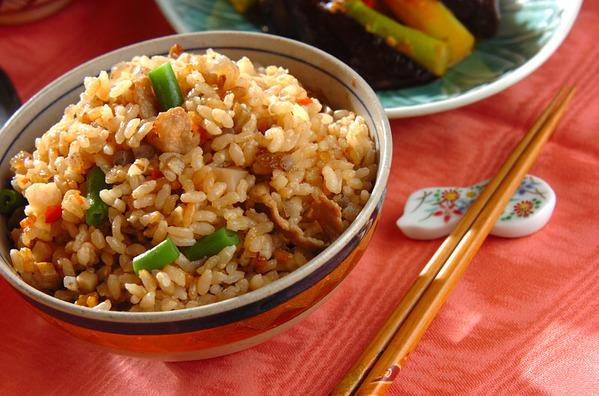 今日の献立は「具だくさん炊き込み玄米ご飯」