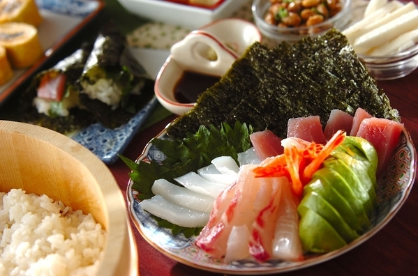 今日の献立は「手巻き寿司」