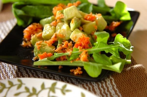 鮭とアボカドのサラダ