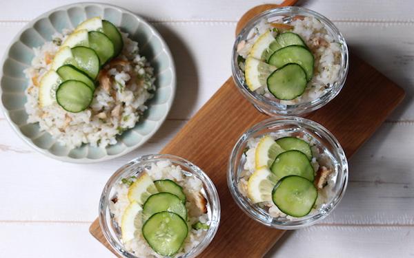 魚嫌いの子もパクパク食べられる「鮭ときゅうりのさっぱり混ぜご飯」【今日の時短ごはん Vol.24】