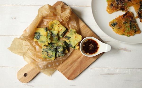 苦手な青菜もパクパク食べられる! 栄養たっぷり「簡単じゃがいもチヂミ」【今日の時短ごはん Vol.32】