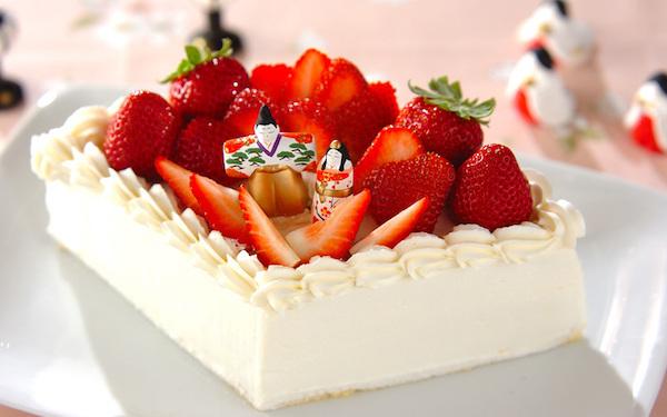 家族で食べたい! 3層になったひし形のショートケーキ