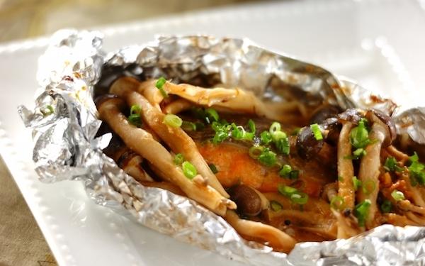 夏野菜を入れてもオッケー! 鮭のホイル包みちゃんちゃん焼き