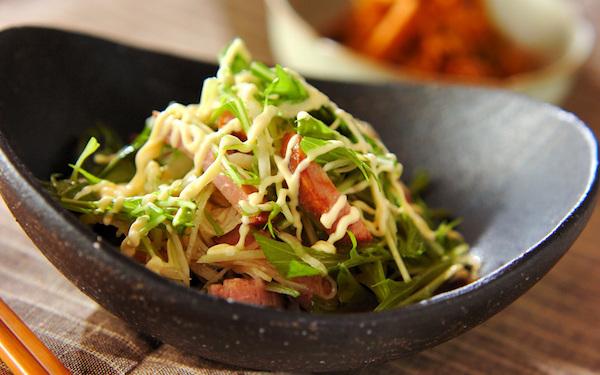 食べ応えあり、ササッと作れる焼豚と水菜のサラダ