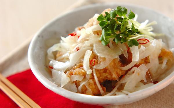 お惣菜でも作れる、サッパリとした鶏唐の甘酢玉ネギ和え