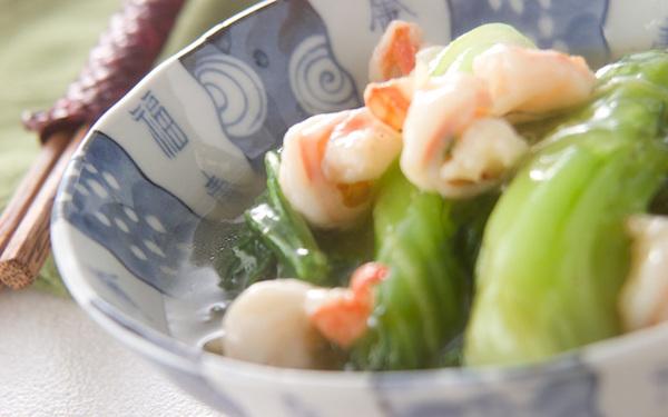 しゃっきり食感がたまらない、簡単なチンゲンサイの炒め煮
