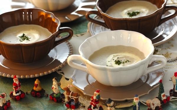 贅沢で濃厚な味わい、キノコのポタージュスープ