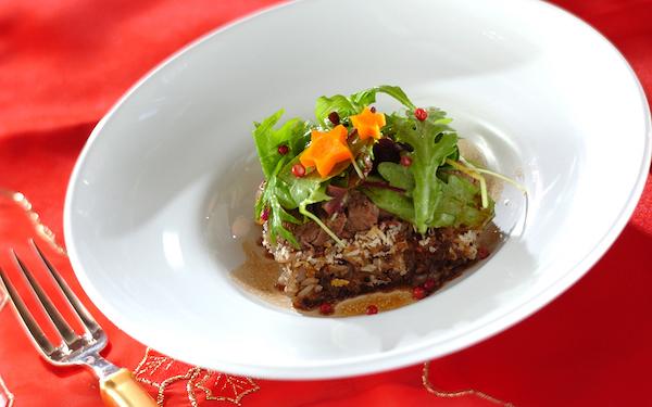 赤ワインソースが絶品! 牛フィレ肉のステーキ