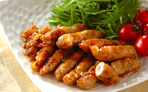 ジューシーでボリューム満点、お餅と豚肉のショウガ焼き