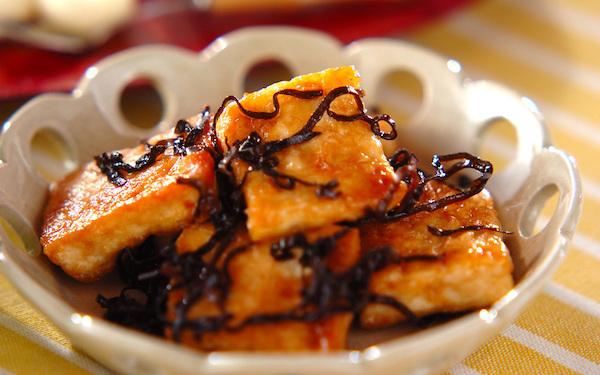 ご飯が進む! おつまみにもなる豆腐の塩昆布炒め