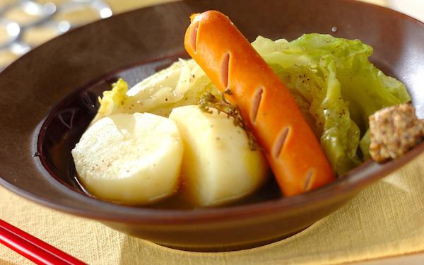 まるでポトフのよう、春野菜とソーセージのシンプル煮込み