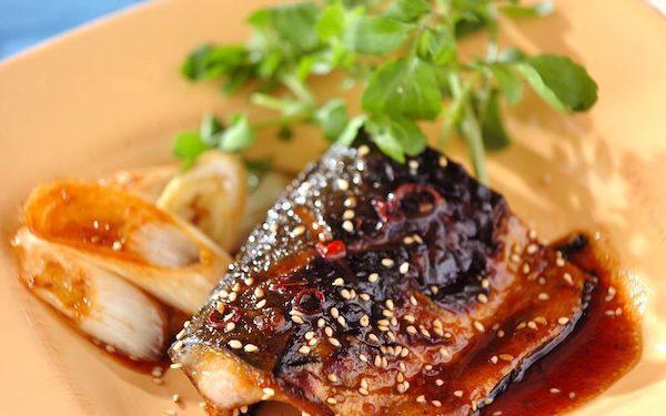 ご飯をおかわりしたくなる美味しさ! サバの焼き肉ダレ焼き