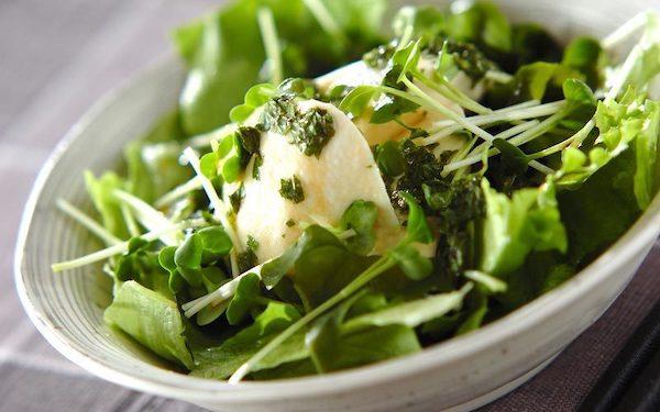食べ応えがある、あっさり大葉ドレッシングのサラダ